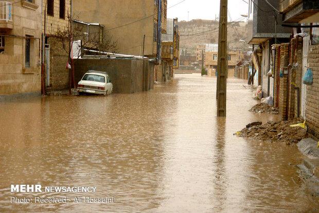 İran'ın Luristan eyaletinde sağnak etkili oldu