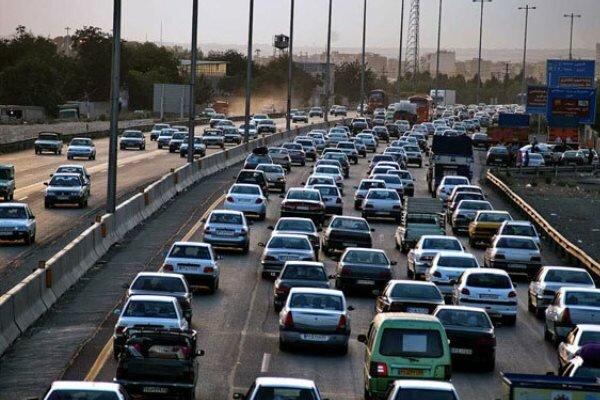 افزایش ترافیک در محورهای مواصلاتی استان قم