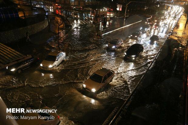 آب گرفتگی معابر در تهران