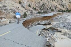 سیلاب ارتباط ۱۱ روستا منطقه پرور و پشت کوه مهدیشهر را قطع کرد