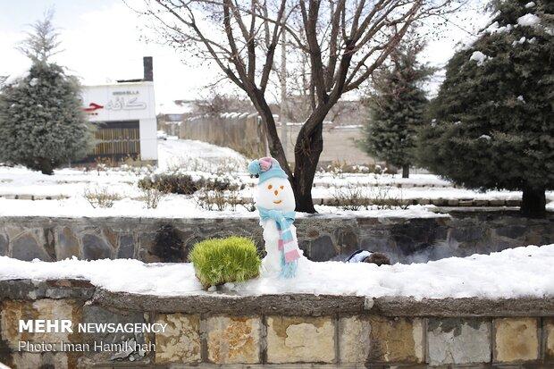 زمستان اردبیل تمامی ندارد/ سنگینی برف ۳۰ سانتی روی بهار