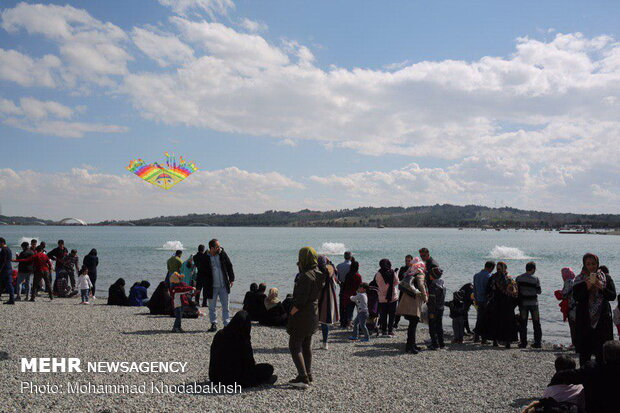 Nature Day celebration in Tehran's Chitgar Lake Resort