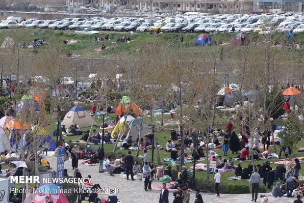 Nature Day celebration in Tehran's Chitgar Lake Resort