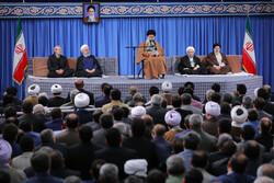 دیدار جمعی از مسئولین نظام با رهبر انقلاب