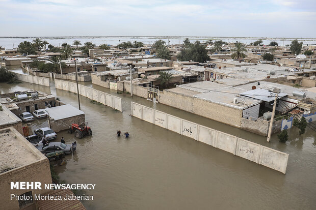 ۱۰۰۰ بسته معیشتی سیلزدگان به هلالاحمر خوزستان تحویل داده شد