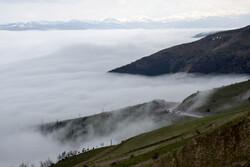 سفر به دریای بیکران ابرها در گردنه کوهستانی حیران