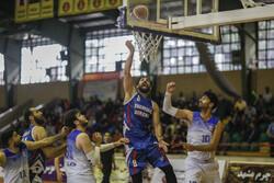 دیدار تیم های بسکتبال شهرداری گرگان و آویژه صنعت مشهد