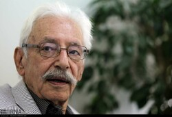 Actor Jamshid Mashayekhi in an undated photo. (IRNA)