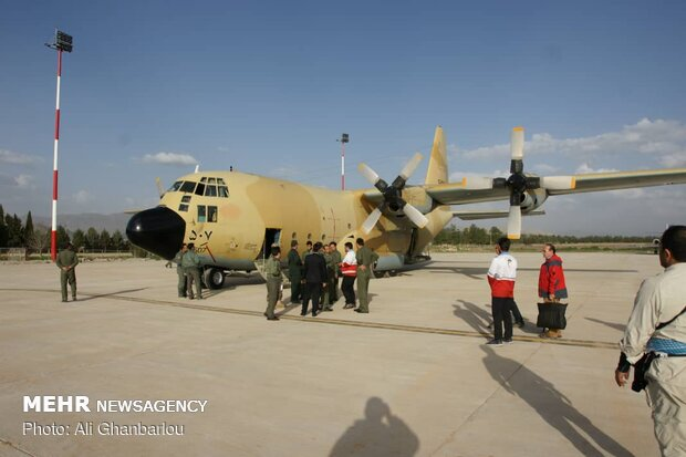 Army's Air Force sends rescue aids to flood-stricken Lorestan prov.