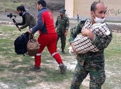 نجات جان کودک از مرگ توسط مأمور یگان ویژه در معمولان