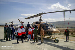 The Iranian Red Crescent renders relief services from Khorramabad Airport to the flood-affected people in Lorestan Province. (Mehr/Mohsen Tiz'hush)