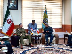 Iran, Iraq top military officials discuss bilateral cooperation