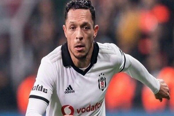 Beşiktaş'ın Brezilyalı yıldızı Adriano'dan transfer açıklaması