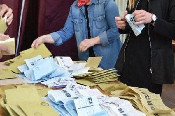 İzmir ilçesinde geçersiz oylar yeniden sayılacak!