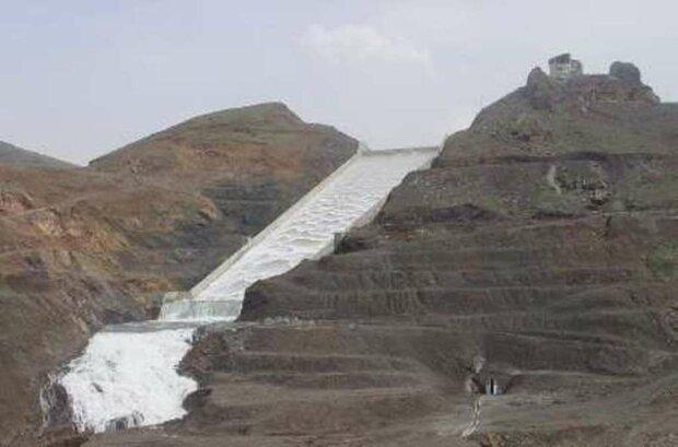 سد «کلان» ملایر سرریز کرد/ذخیره ۴۶ میلیون مترمکعب آب