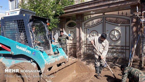 سیلاب سے متاثرہ گاؤں کے رہائشیوں کا قابل تعریف جذبہ