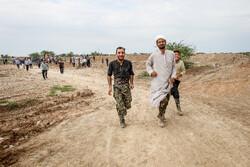 طلابی از ۴ کشور دنیا در مناطق سیلزده پلدختر خدمترسانی میکنند