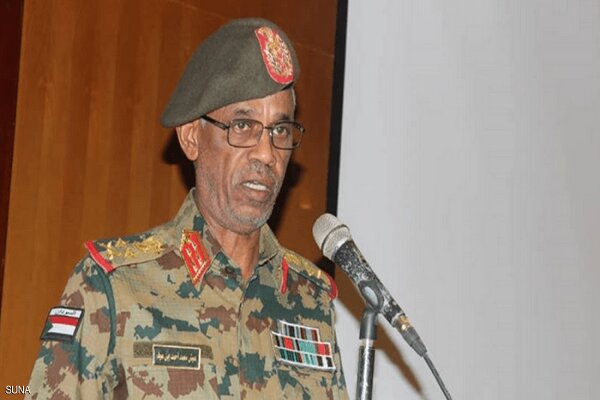 بن عوف يؤدي القسم رئيسا للمجلس العسكري السوداني