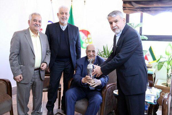 کاپ قهرمانی احتشامزاده در مسابقات ۱۹۵۷ به موزه ورزش اهدا شد