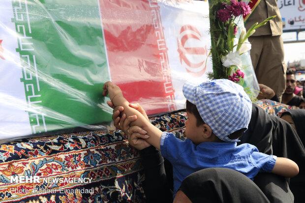 تشییع پیکر شهدای وزارت دفاع در بندرعباس