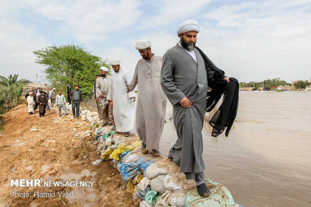 IDO head visits flood-hit areas in Khozestan province