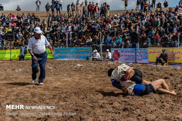 مسابقات کشتی باچوخه قهرمانی کشور در قوچان برگزار میشود