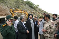 بازدید آیت الله سعیدی از قرارگاه کمک رسانی سپاه قم در لرستان