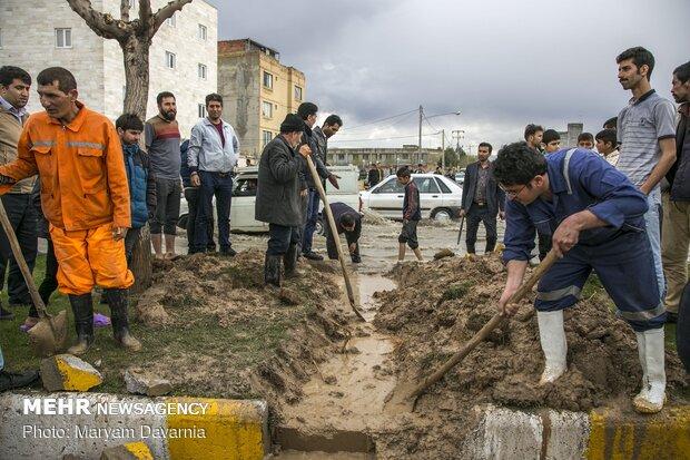فعالیت ۲۵۰ نیروی شهرداری تهران در «پلدختر»