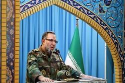 دست ارتش در دست سپاه است/ آمریکا امنیت نیروهایش را به خطر انداخت