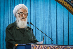 همه ایران سپاهی هستند/ ترامپ هنوز سپاه پاسداران را نشناخته است