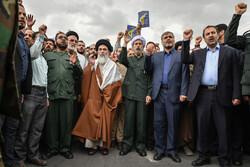 راهپیمایی نمازگزاران شیراز در حمایت از سپاه پاسداران
