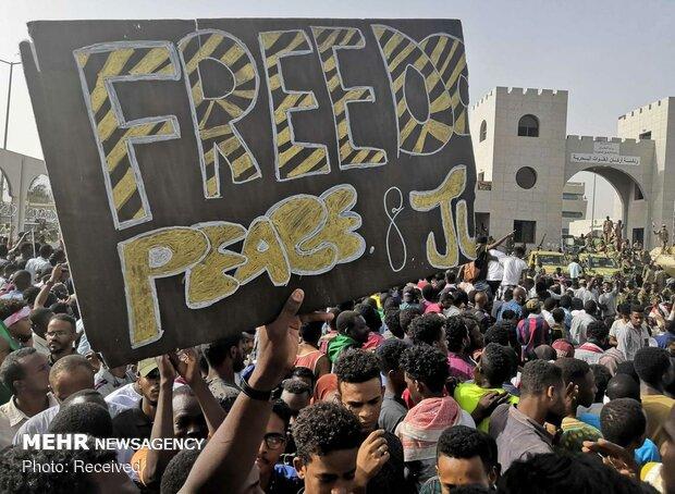 السودان.. المجلس العسكري يؤجل اجتماعه مع القوى السياسية إلى أجل غير مسمى