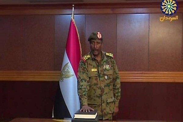 المشرف على القوات السودانية في اليمن يصبح رئيسا للمجلس الانتقالي بالسودان