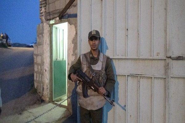 سرباز وظیفه شناس مسیر ۳۵ کیلومتری تا پادگان را پیاده آمد