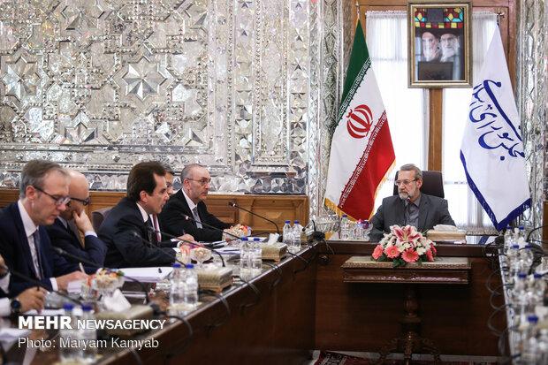 Italian PM visits Larijani in Tehran