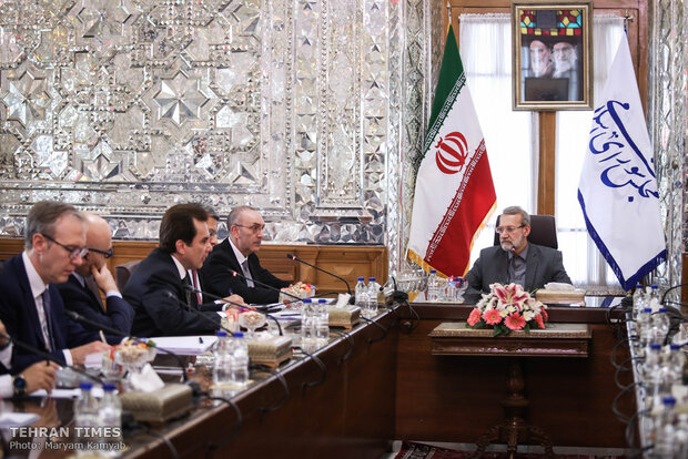 Top Italian lawmaker meets Larijani in Tehran