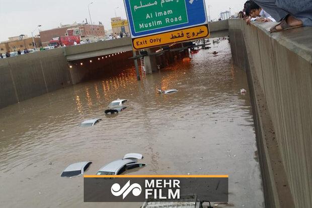 بحرین میں شدید بارش کے بعد سیلاب