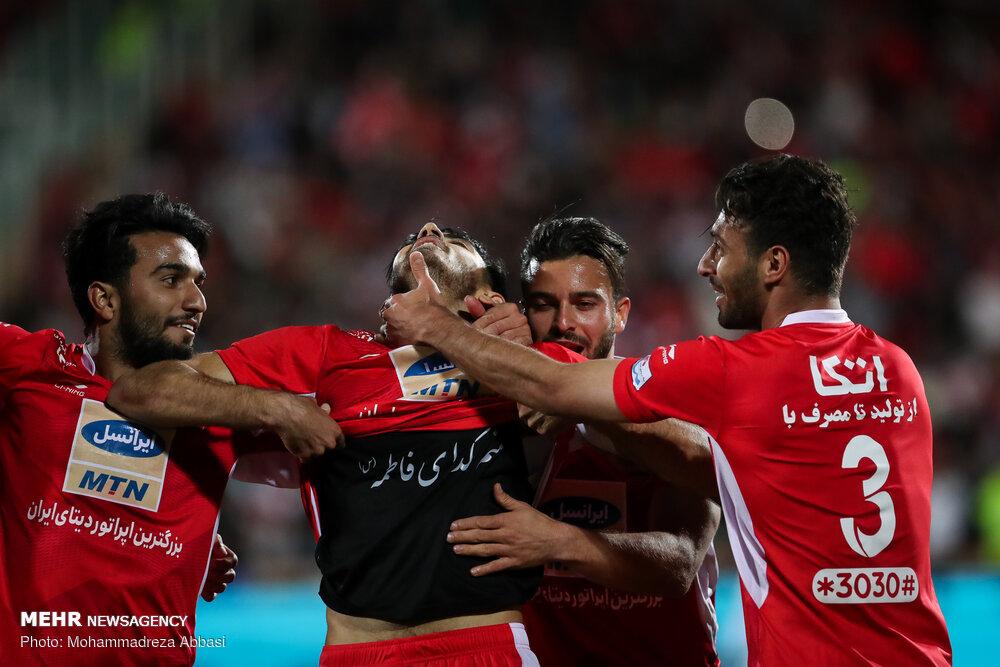 دیدار تیم های فوتبال پرسپولیس تهران و سایپا البرز