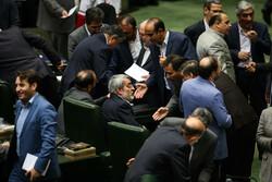 الحكومة الايرانية تسعى لمحاصصة البنزين والبرلمان يعارض