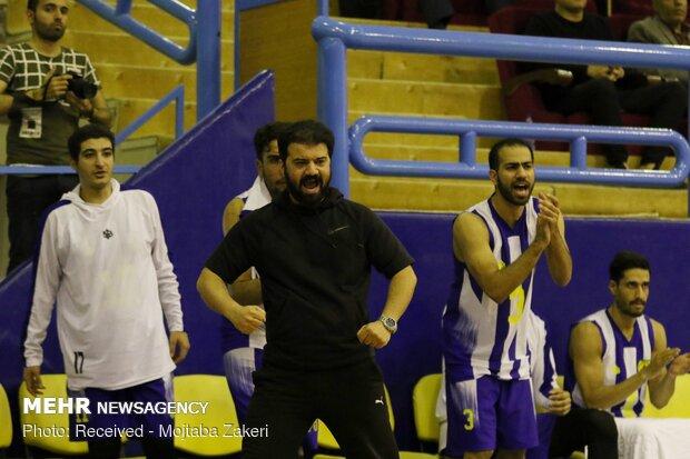 دیدار تیم های بسکتبال نفت آبادان و پتروشیمی بندر امام