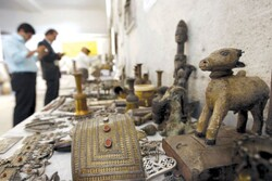 Iranian police seize historical relics in three provinces