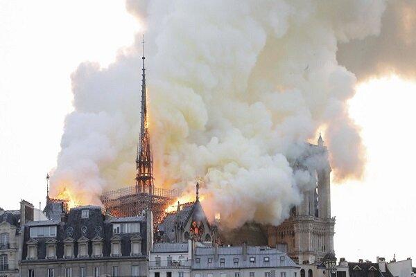 آتش سوزی در کلیسای نوتردام در پاریس