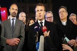 Macron: Notre-Dame'ı birlikte yeniden inşa edeceğiz