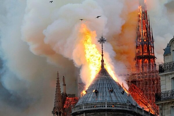 Zarif reacts to Paris's Notre-Dame Cathedral fire
