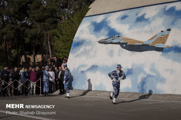 تمرین رژه جنگنده بمب افکنهای نیروی هوایی ارتش