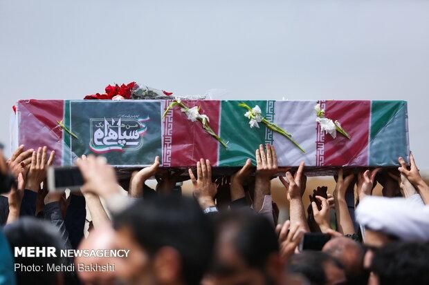 تشییع پیکر مطهر شهید مدافع حرم «احمد جلالی نسب» در قم