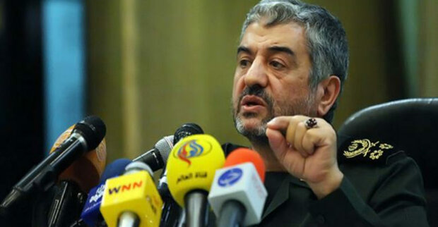 IRGC should facilitate people's presence in soft war