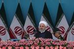 روحاني: الجيش الإيراني لعب دوراً قيماً في الثورة الإسلامية