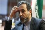"""عراقجي يلتقي """" شينزو آبي"""" ويسلمه رسالة خطية من الرئيس روحاني"""