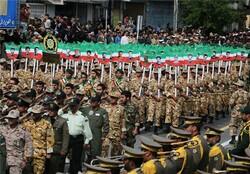 برگزاری رژه نیروهای مسلح در اصفهان/ نمایش جنگافزارهای قرارگاه پدافند هوایی ارتش